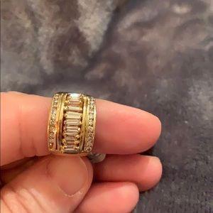 Jewelry - Ladies Genuine 18k yellow gold Diamond Band
